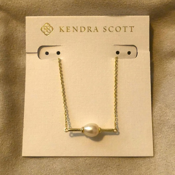 Kendra Scott Emberly Gold Pendant Necklace w Pearl